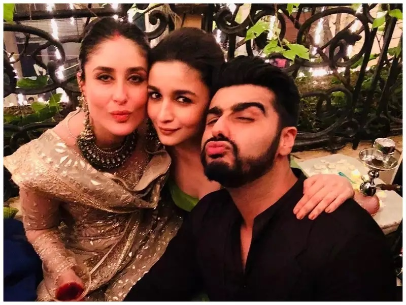 Throwback: You just cannot miss this picture of Kareena Kapoor Khan, Alia Bhatt and Arjun Kapoor from their good old days